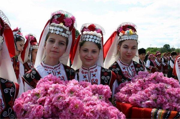 istoriya-i-kultura-rose-festival-in-kazanlak-253