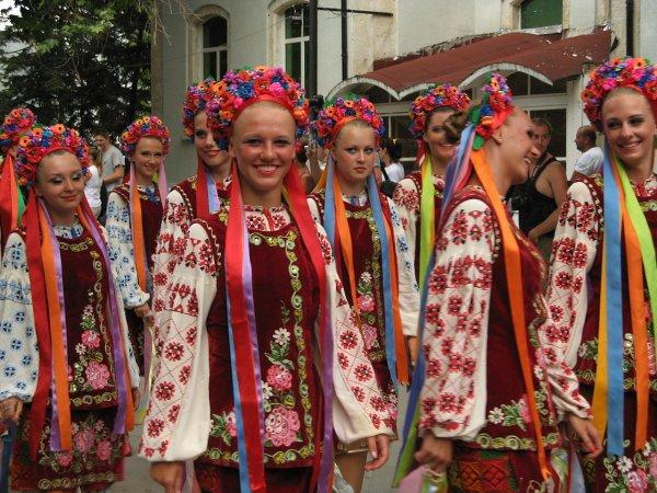1280px-International_Folk_Festival_Varna_2010_IMG_3131