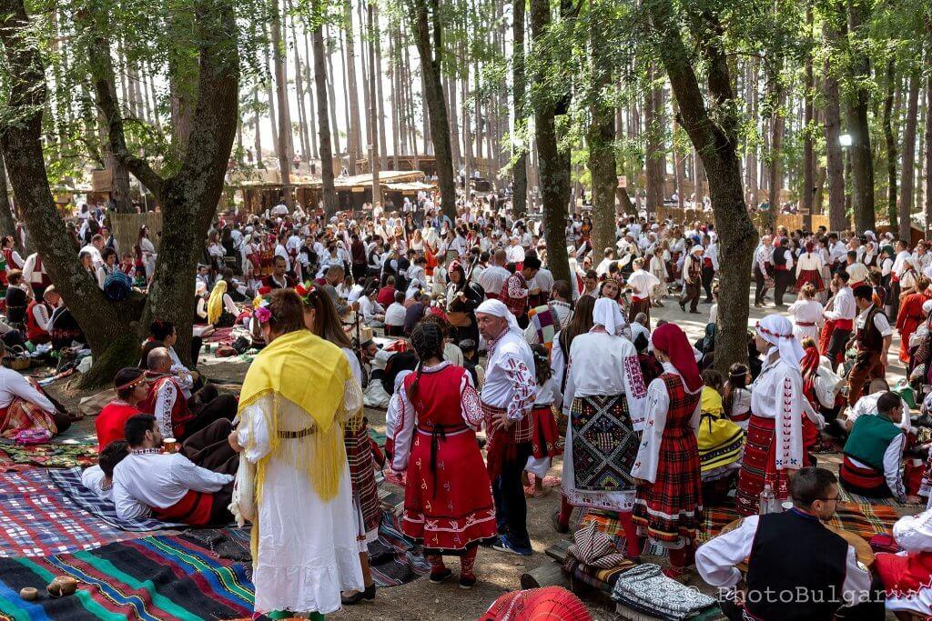 Медународен фестивал на фолклорната носия